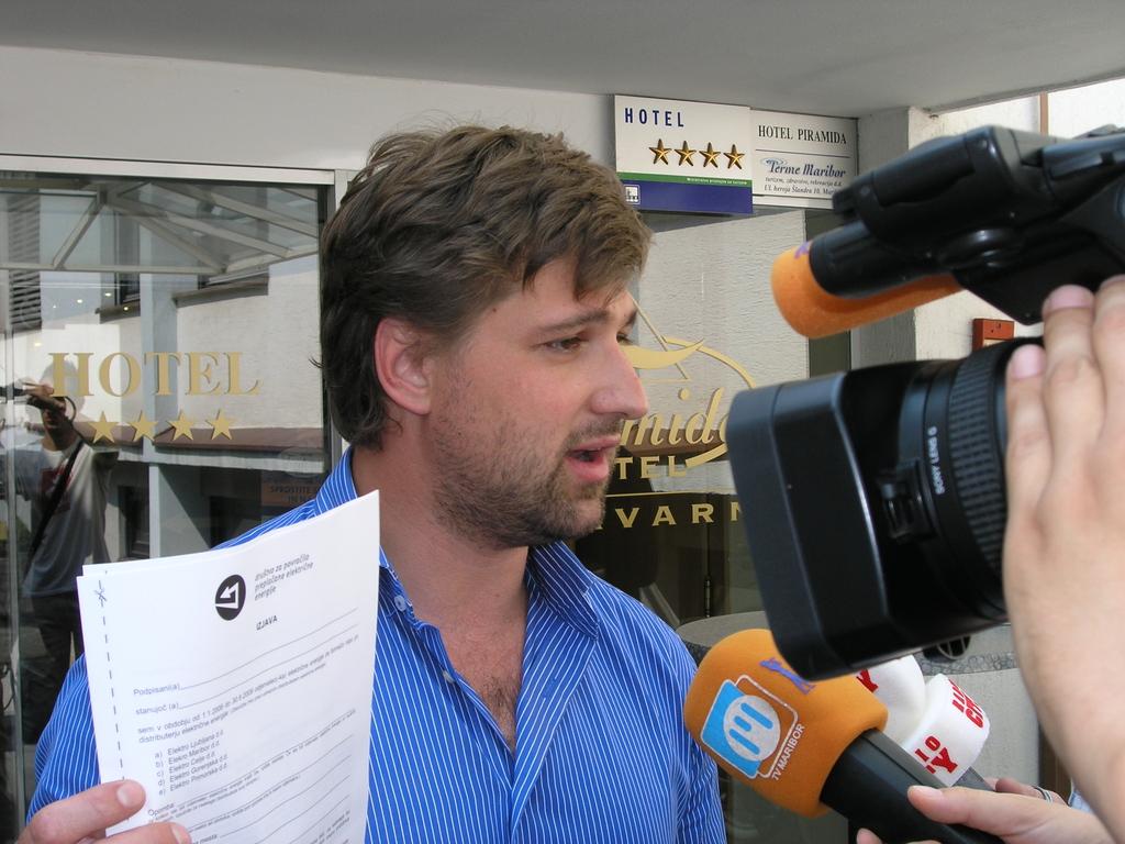 http://hrvatskifokus-2021.ga/wp-content/uploads/2016/06/Delo_Foto-20100716132430-52767900.jpg