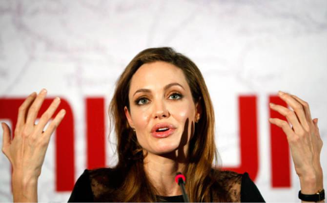 Film V deželi krvi in medu Angeline Jolie celi rane in jih obenem odpira