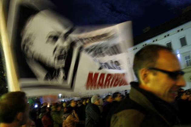 Revoltirana anketa: Vstajniki naj pred volitvami strnejo vrste