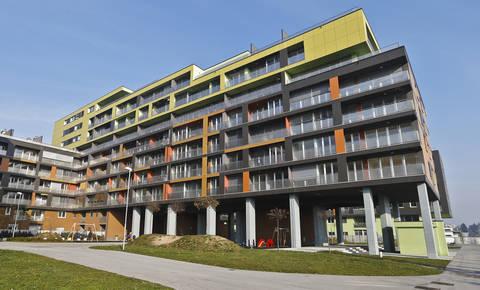 DUTB letos prodala za skoraj 104 milijone evrov nepremičnin