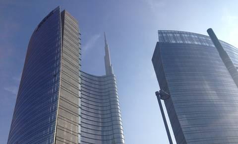 Skupina UniCredit klesti slaba posojila in povečuje dobičkonosnost