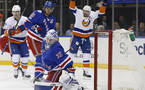 NHL: Islanders dobili mestni derbi v New Yorku (VIDEO)