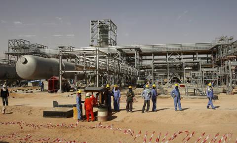 Izpad naftnih prihodkov nadomeščajo z izdajo islamskih obveznic