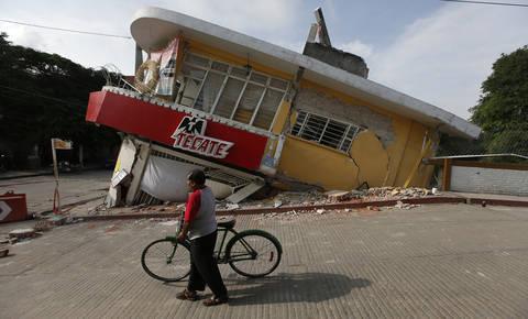 Mehiko stresel še en silovit potres