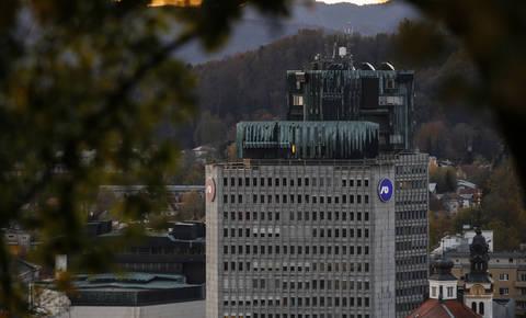 Vlada: Predlog ustavnega zakona glede NLB nepopoln