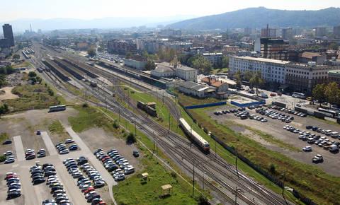 Kaj se dogaja z največjimi Jankovićevimi projekti