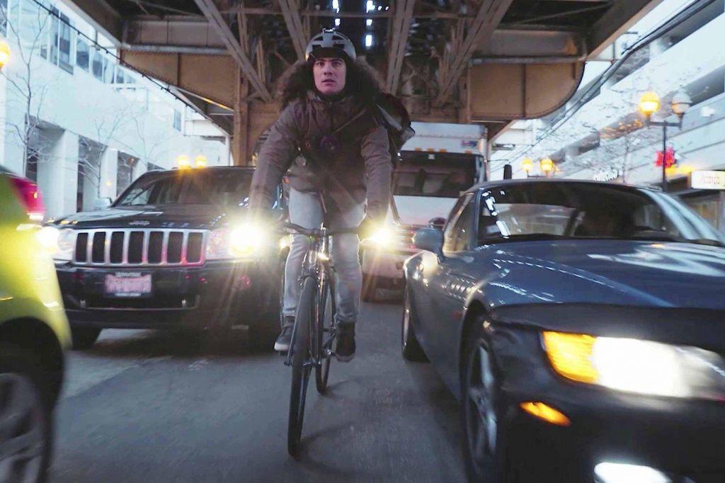 V službo s taksijem ali kolesom? (VIDEO)