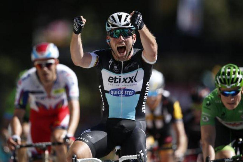 Cavendish in ekipa Etixx s svojim pivom skrbita za hidracijo