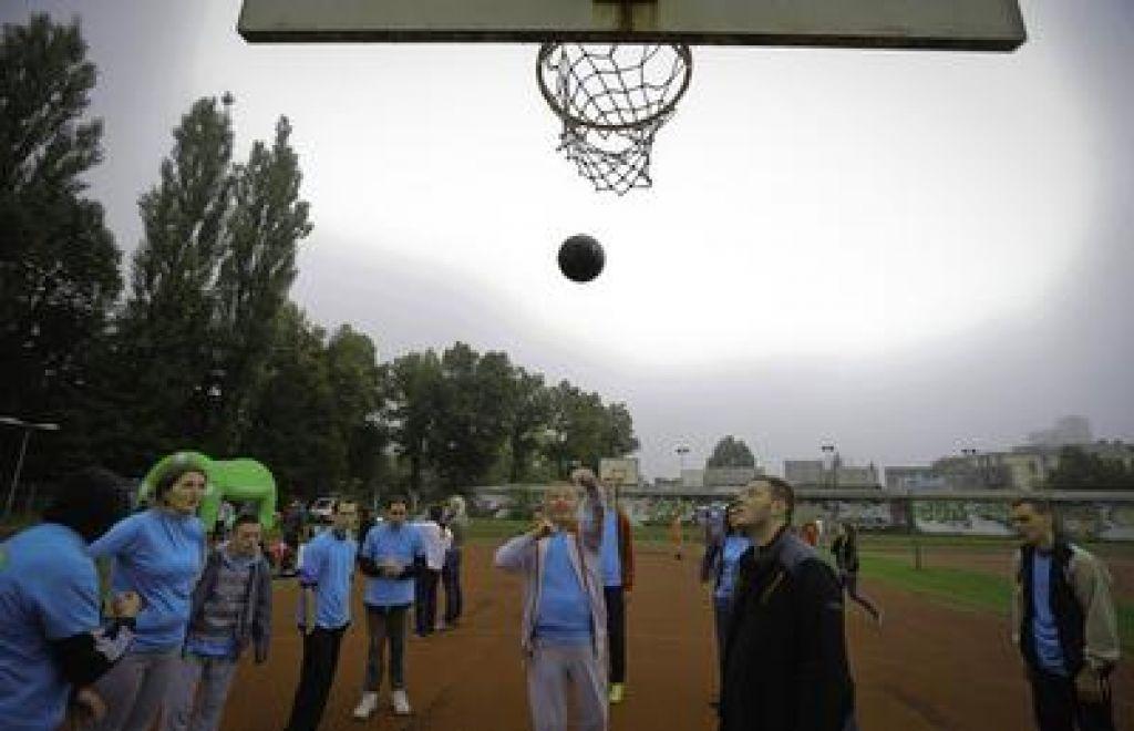Košarka z dobrodelno noto