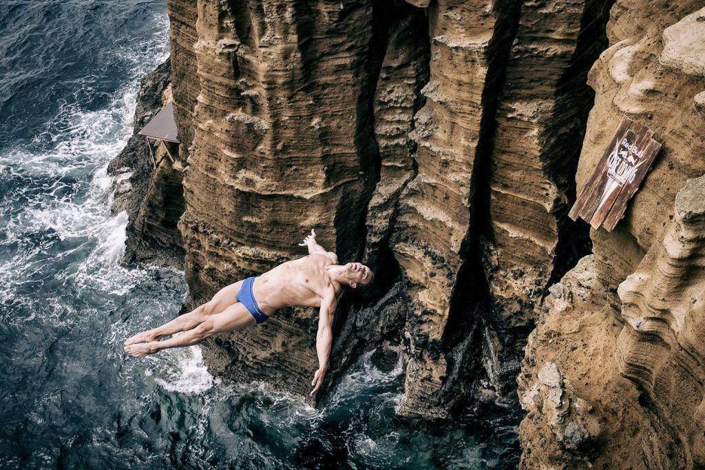 Video: Bi si upali skočiti iz višine 28 metrov?