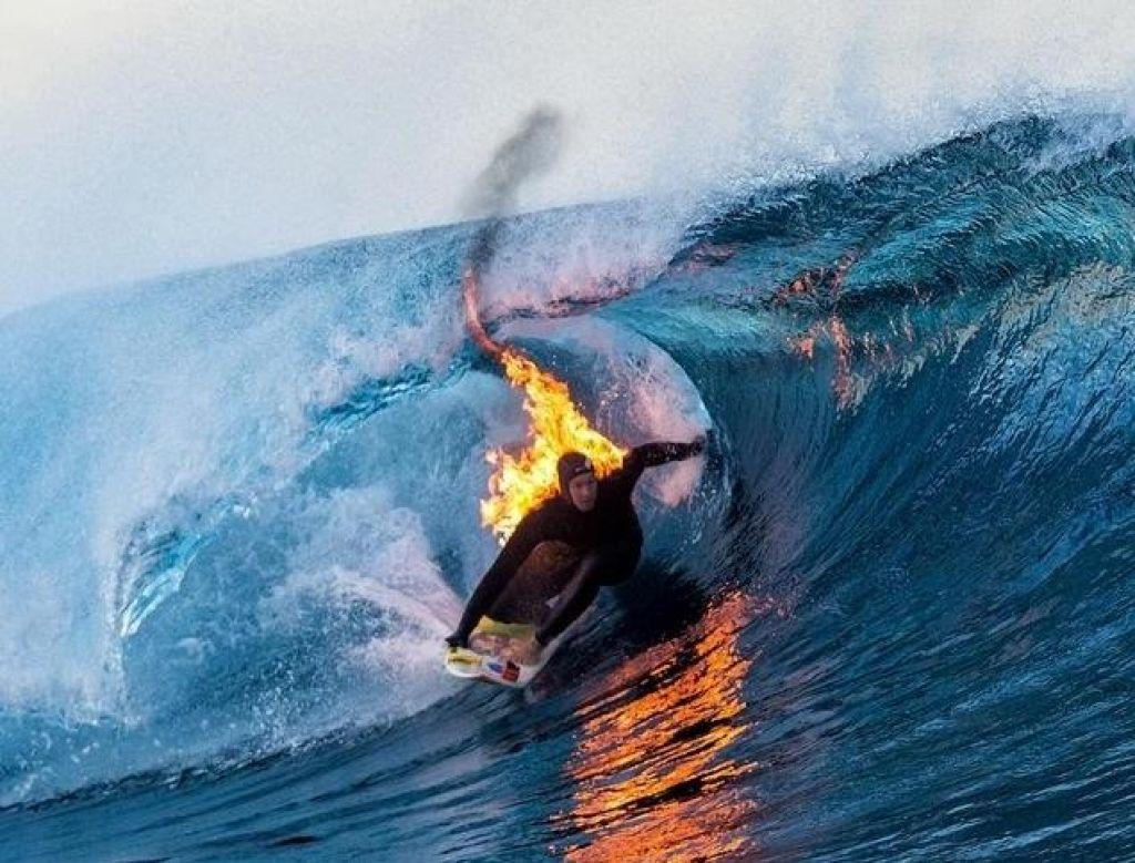 Video:  Jamie O'Brien – človeška surf bakla