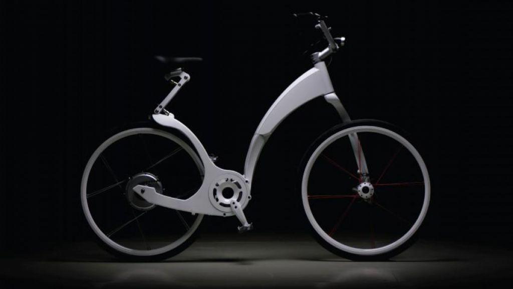 """Nenavadni kolesarski """"zložljivec"""""""