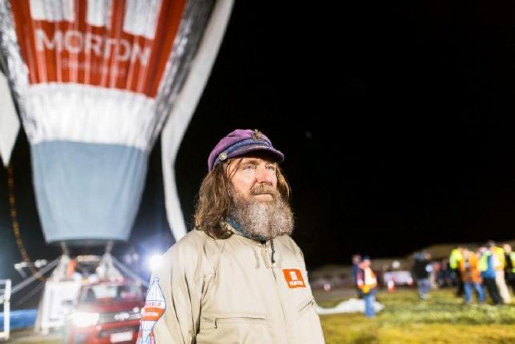 Rus z balonom v rekordnem času okoli Zemlje