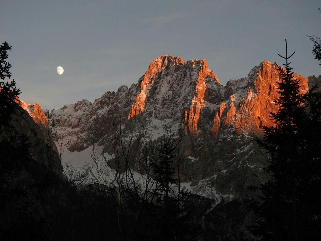 Opozorilo po črnem vikendu v slovenskih gorah