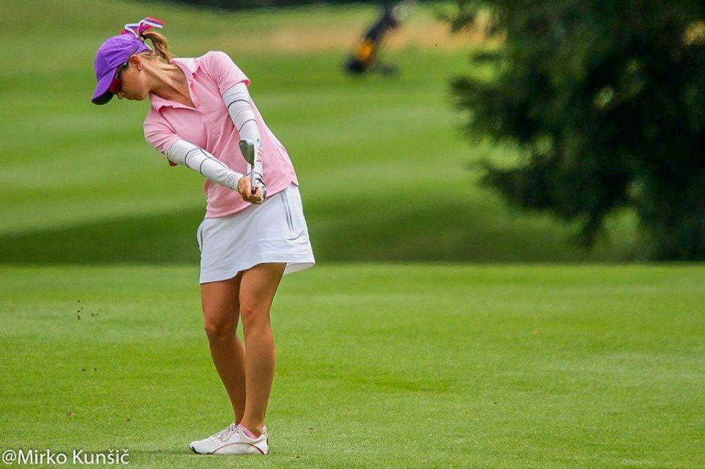 FOTO: Katja Pogačar. Prva slovenka med profesionalkami golfa