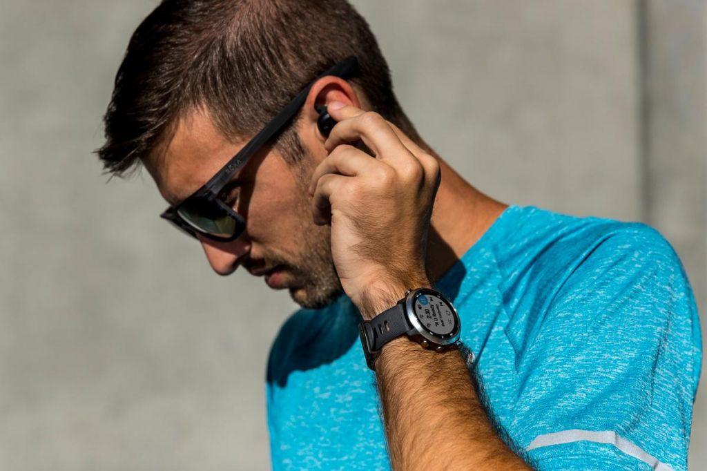 FOTO:Tekaška ura GPS z glasbo
