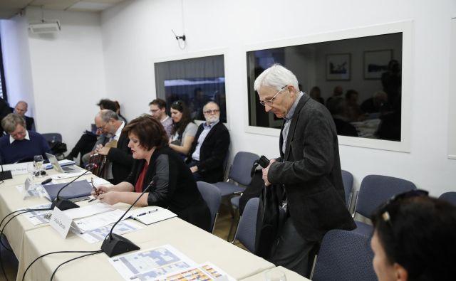 Uršula Cetinski in Tone Peršak, minister za kulturo med javno sejo Nacionalnega sveta za kulturo in Programskega sveta RTV Slovenija. Foto Uroš Hočevar