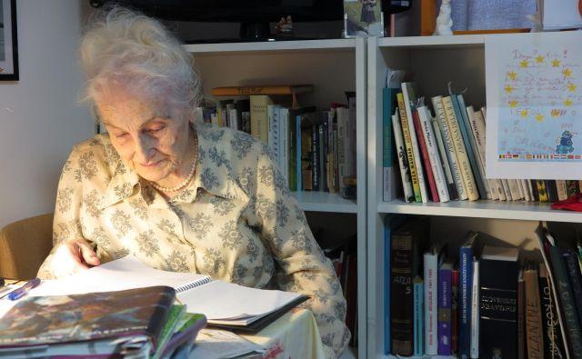 Neža Maurer je leta 2013 prejela Levstikovo nagrado za življenjsko delo, Veronikino nagrado, zlatnik poezije, leta 2008, pa je postala še Slovenka leta.