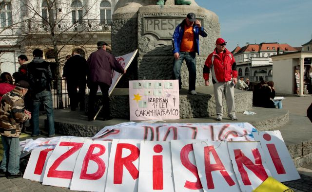 Protestni shod društva izbrisanih.FOTO: Roman Šipič