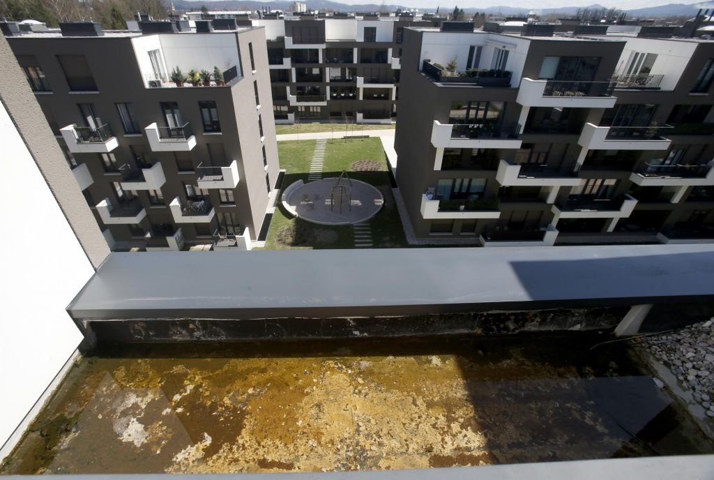 Stanovalce Zelenega Gaja doletela milijonska tožba