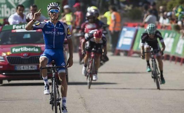 Julian Alaphilippe je lani takole dobil etapo na Vuelti.
