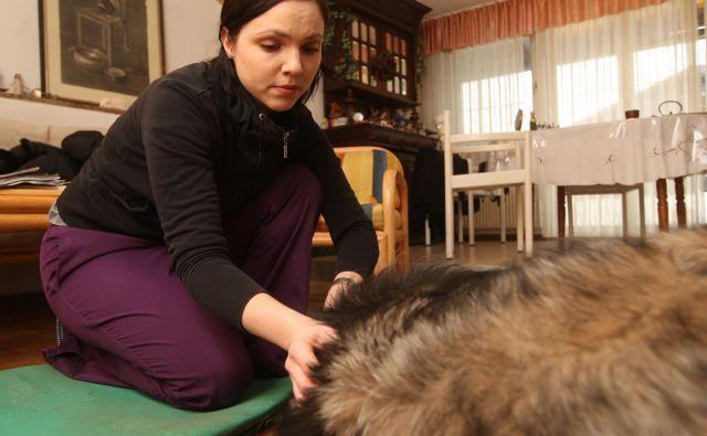 Irina Lončar obišče živali tudi na domu.