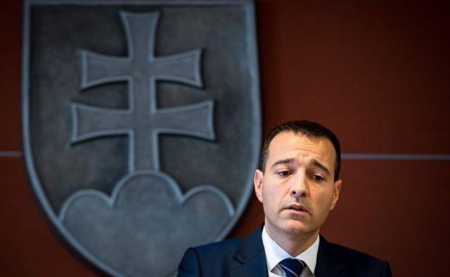 Slovaški notranji minister Tomas Drucker na današnji tiskovni konferenci. FOTO: Vladimir Simicek/AFP