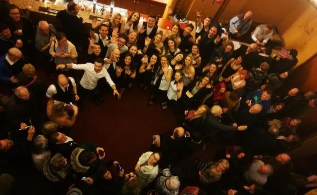 Perpetuum Jazzile po nedavnem koncertu z belgijskim občinstvom. FOTO:Zdenko Matoz