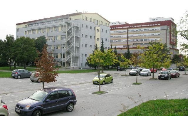 V bolnišnici v Murski Soboti so krivdno odpustili njihovo zaupnico.