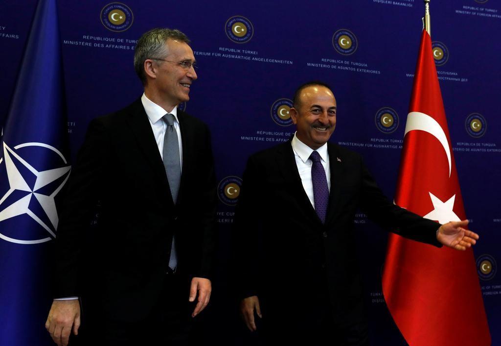 Erdoganovo sedenje na dveh stolih