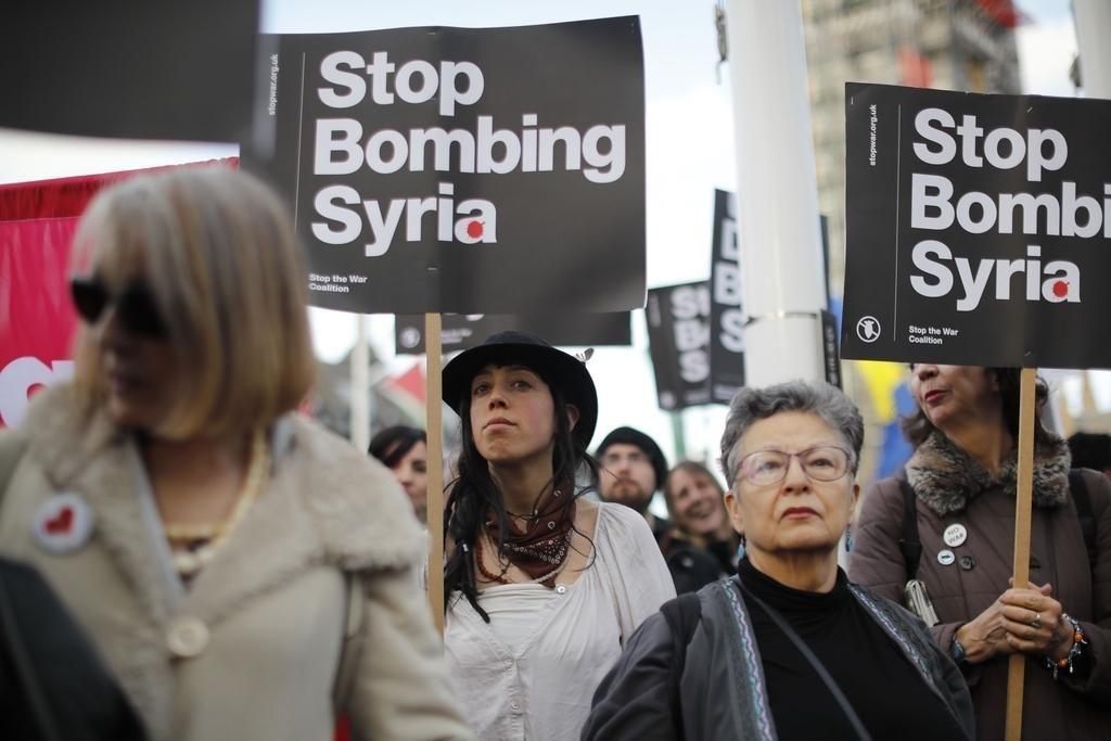 Bruselj: Rusija naj vpliva na Asada