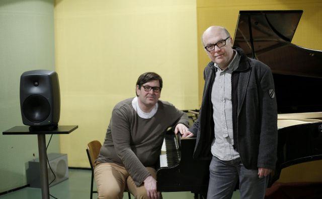 Gregor Strniša je ob snemanju albuma raziskoval zgodovino starega klavirja.