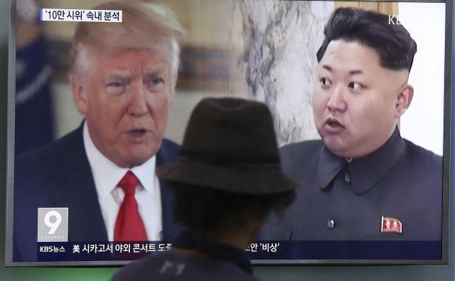 Do srečanja Trump-Kim naj bi prišlo enkrat do junija. FOTO: AP
