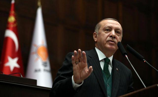 Turški predsednik Recep Tayyip Erdoğan med govorom v parlamentu