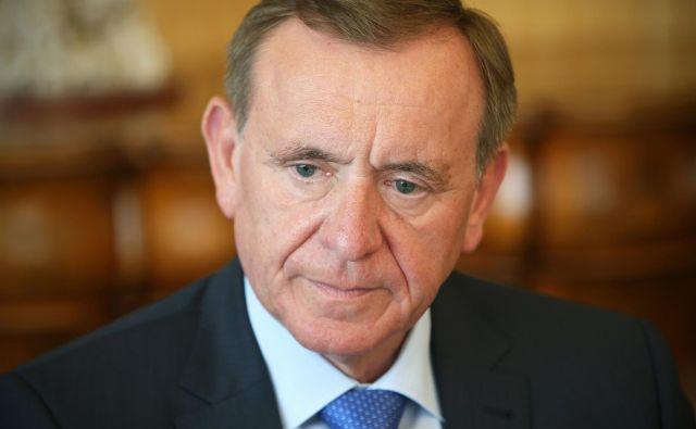 Predsednik uprave Krke je lani neto prejel 376 tisoč evrov, kar 678 tisoč evrov pa so znašali davki in prispevki.