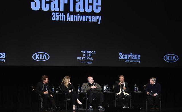 Igralec Steven Bauer, igralka Michelle Pfeiffer, režiser Brian De Palma in igralec Al Pacino. FOTO: Evan Agostini/Ap