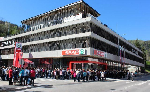 V hipermarketu na 2000 kvadratnih metrih bo 28 zaposlenih. FOTO: Blaž Močnik