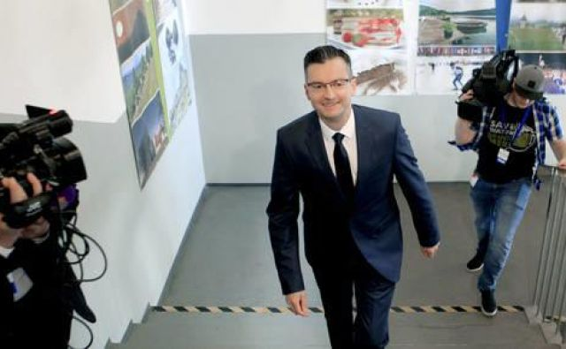 Teza, da je Marjan Šarec prehitro stopil na prizorišče in razkril svoje karte, da bi ponovil uspeh Pozitivne Slovenije in Stranke modernega centra ter zasedel tretjino parlamentarnih sedežev, je verjetno dovolj točna. FOTO: Roman Šipić/Delo