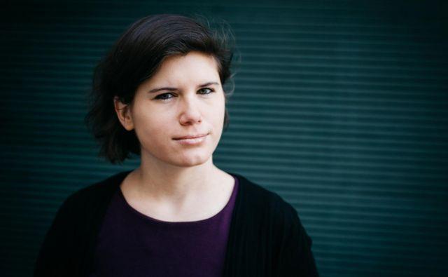 Ingrid Brodnig: V Evropi bi morali ustanoviti inštitute, ki bi nadzirali in testirali algoritme, nato pa bi izdali javnosti dostopno poročilo. FOTO: Ingo Pertramer/Brandstätter Verlag