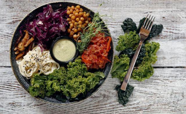 Predelano hrano je bolje nadomestiti s polnovrednimi živili. FOTO:Uroš Hočevar