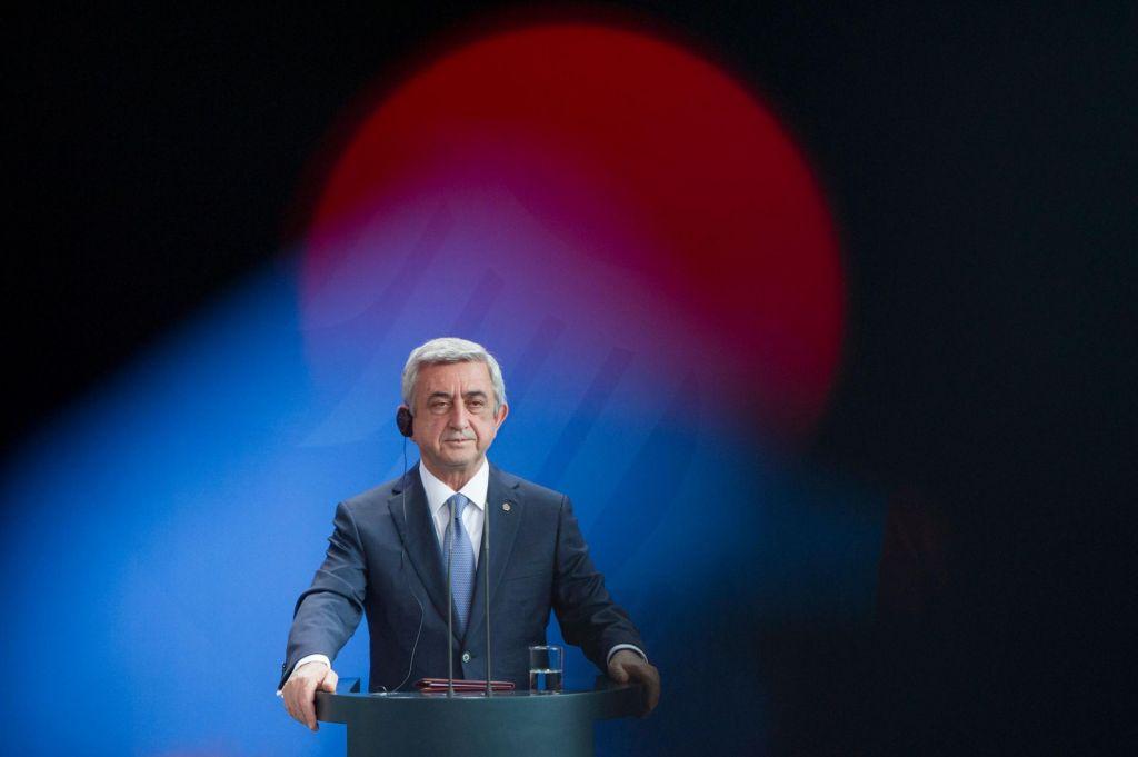 Po protestih odstopil armenski premier
