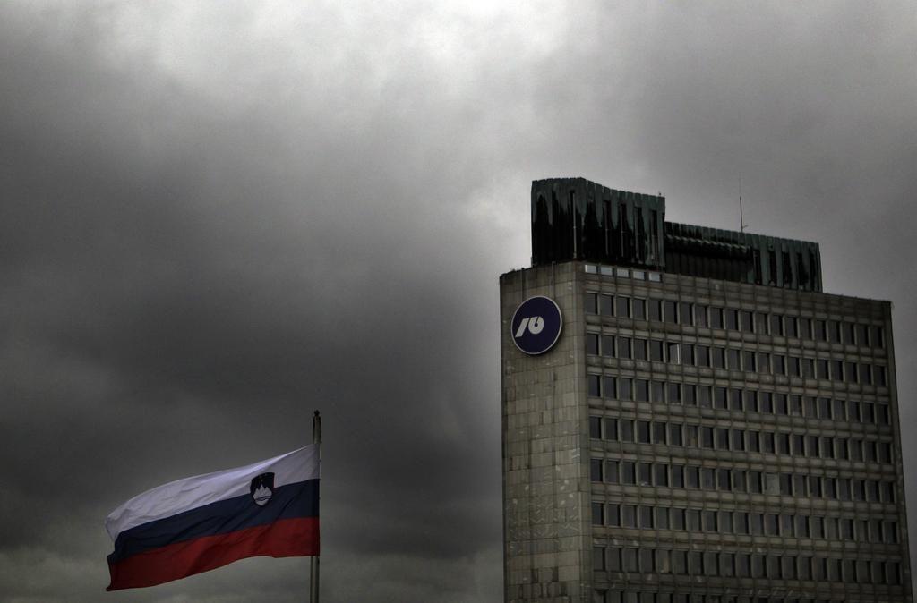 Slovenija zaprosila za mediacijo v primeru prenesenih deviznih vlog