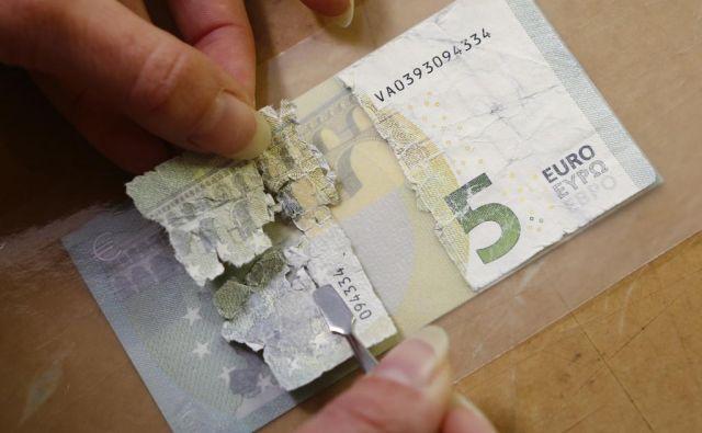 Finančna uprava je prejela podatke o fizičnih in pravnih osebah, ki so rezidenti Slovenije in imajo finančne račune odprte v tujini. FOTO: Reuters