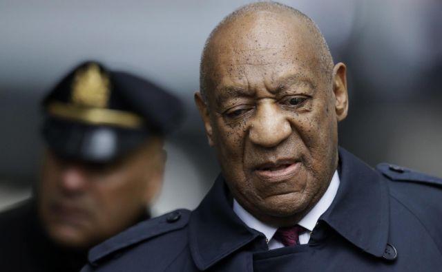 Bill Cosby ob prihodu na sodišče.