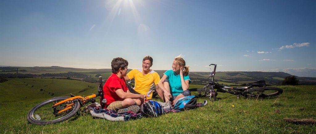 FOTO:Družina na kolesu