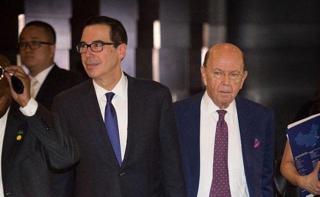 Trgovinskih pogajanj v Pekingu sta se udeležila tudi ameriški finančni minister Steven Mnuchin (levo) in trgovinski minister Wilbur Ross.