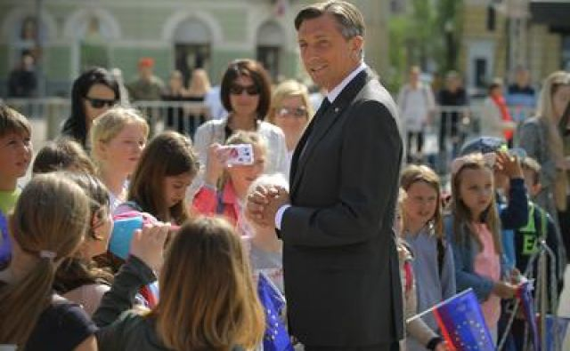 Borut Pahor je med spretnejšimi komunikatorji na družbenih omrežjih. FOTO: Jože Suhadolnik/