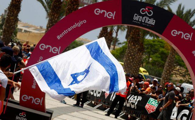Izraelski navijači so pokazali, da imajo radi kolesarstvo, ne glede na to, da njihovi kolesarji ne krojijo samega svetovnega vrha.FOTO: Luk Benies/Afp