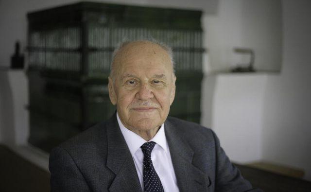 Letos mineva 50 let, odkar se je Stanislav Škrabec iz Nove Gorice vrnili v Ribnico. FOTO: Jože Suhadolnik/Delo FOTO: Jože Suhadolnik/delo/