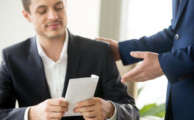 Plače in plačilni sistem so del kulture podjetja, plačna strategija sodi v njegovo poslovno strategijo, o njih mora odločati vodstvo, niso samo v domeni kadrovikov. FOTO: Shutterstock/